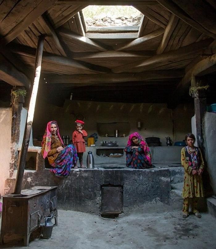 瓦罕人住的房屋设有天井。