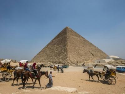 埃及胡夫金字塔发现2个从未被发现的洞穴