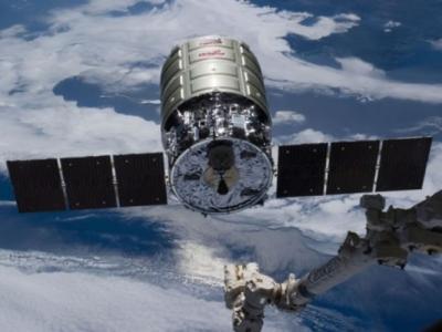 俄罗斯联盟号太空船周五与国际太空站顺利对接