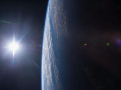 一组恒星极罕见光脉冲讯息显示外星智慧生物可能正努力告知他们的存在