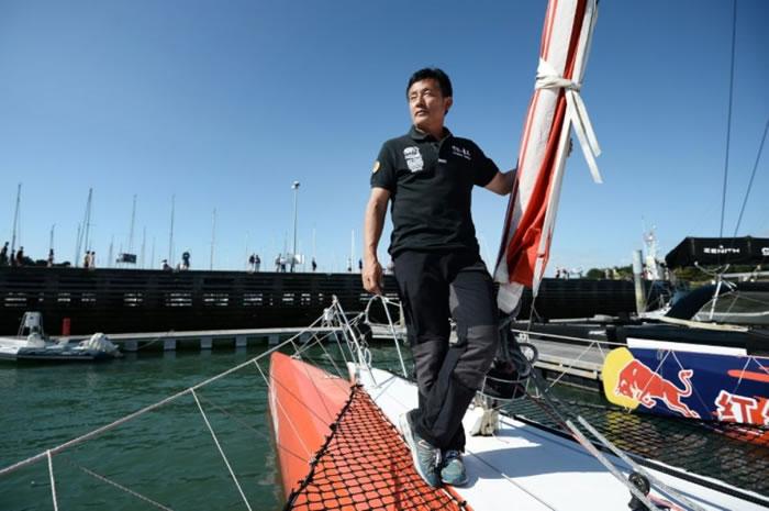 """""""中国帆船第一人""""郭川挑战单人驾驶三体大型帆船穿越太平洋时失联"""