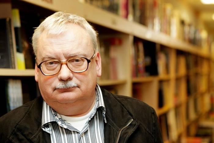 """萨普科夫斯基获华文文坛誉为""""波兰金庸""""。"""