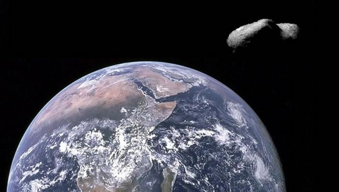 2016 UR36小行星在万圣节擦过地球