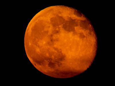 近百年来最大超级月亮11月14日傍晚登场