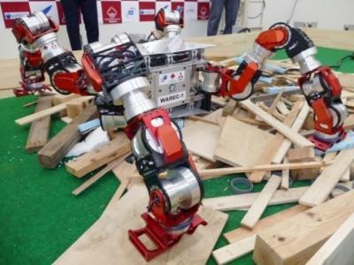 """日本早稻田大学团队与三菱重工一同研发救灾机器人""""WAREC-1"""""""
