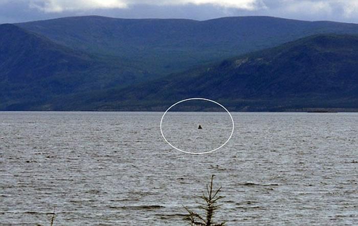 拉本克尔湖(Labynkyr Lake)和沃罗塔湖(Vorota Lake)被传出潜有水怪