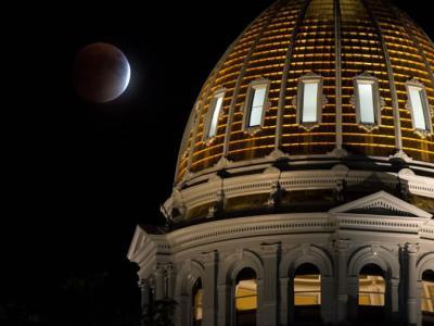国家地理摄影师Mark Thiessen教你如何拍摄超级月亮