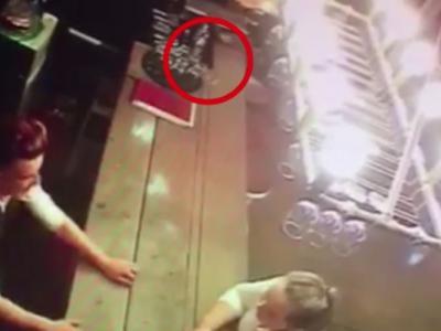 英国西约克郡酒吧发生灵异事件:酒杯自己倒下