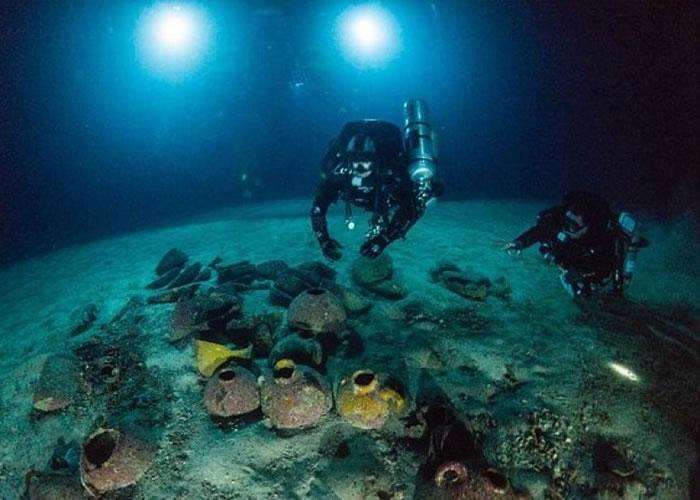 潜水考古队在戈佐岛海底发现商船。