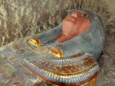 埃及木乃伊完整出土 估计为3000年前贵族