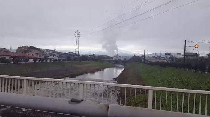 河川逆流相信因海啸涌至所致。