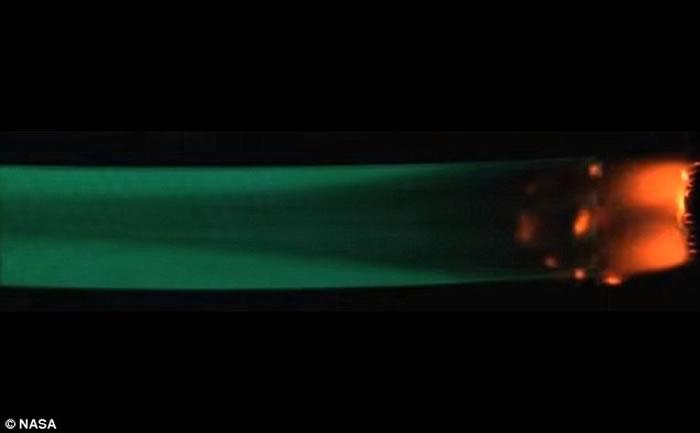 "NASA在""天鹅座""货运飞船上进行名为""Saffire""的放火实验"