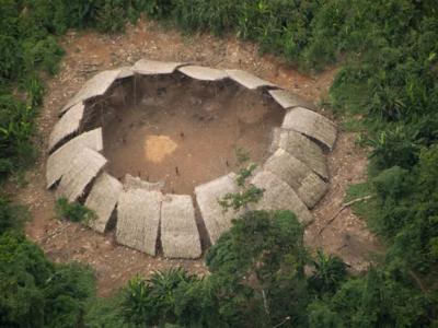 巴西非法开采金矿将会对与世隔绝的亚诺玛米族部落造成致命威胁