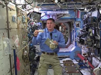 国际太空站美国太空人过感恩节 同样吃火鸡看球赛直播