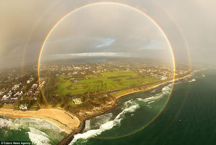 2013年在澳洲拍摄的圆形彩虹