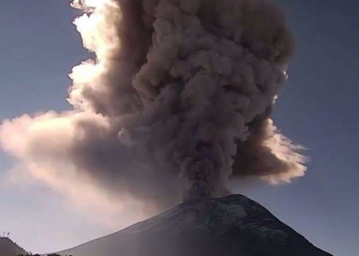 波波卡特佩特火山爆发。