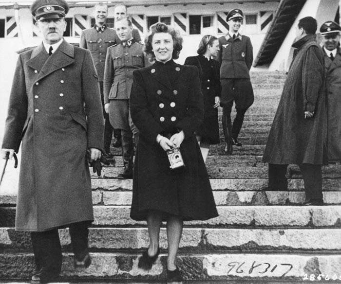 希特勒情妇伊娃․布劳恩(Eva Braun)二战时期罕见祼照曝光