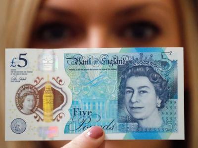 含动物油脂 逾10万英国人联署求停用塑胶新钞