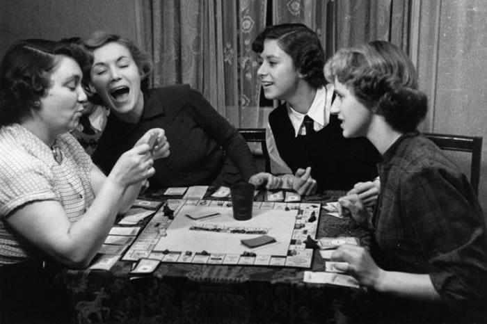 「大富翁」通常是家庭聚会在玩的,但启发这款游戏的其实是为了彰显资本主义的邪恶面。 PHOTOGRAPH BY MAURICE AMBLER, PICTURE P