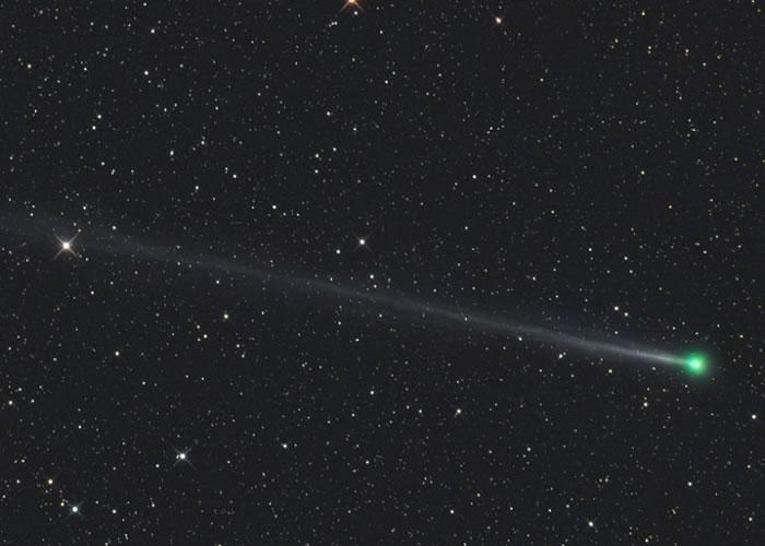 12月22日从非洲纳米比亚以望远镜拍摄到的45P彗星照片。