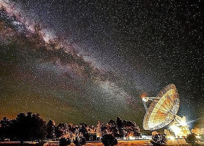 """""""METI""""打算向太空发送信号。"""