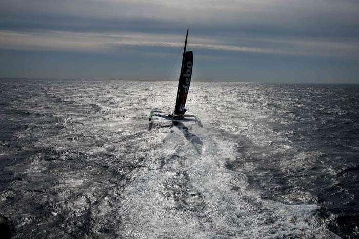 无情的海面及变幻的天气成科维尔打破世界纪录的最大敌人。