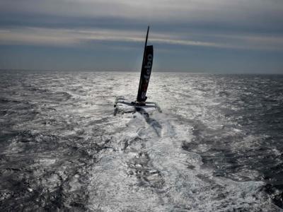 法国航海家Thomas Coville破世界纪录 单人49日环球一周