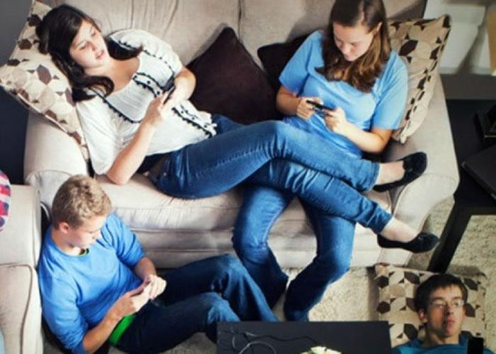 社交媒体平台愈多,愈打击一个人的自信。