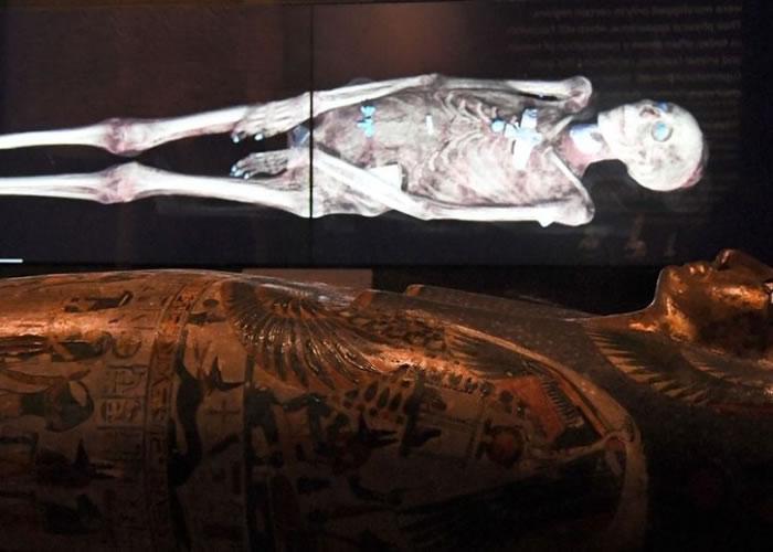 木乃伊的身体首次重现世人眼前。