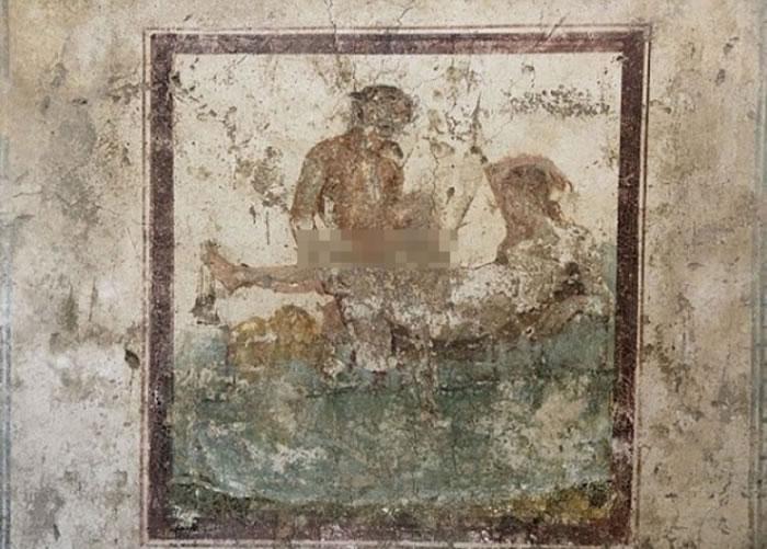 壁画绘画出一些性爱姿势。