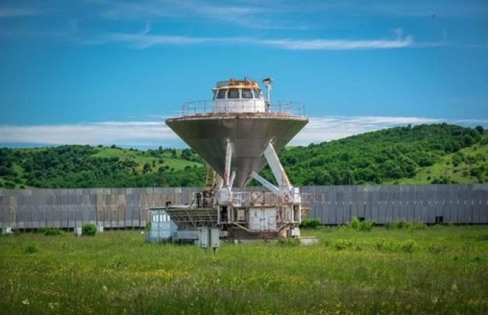 俄罗斯早前有科学家以射电望远镜深测到来自数十光年以外恒星的讯号。