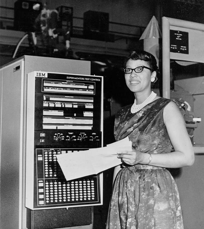 1960年代,梅尔巴.罗伊(Melba Roy)带领一群数学家,为美国太空总署戈达太空飞行中心(Goddard Space Flight Center)的一项开