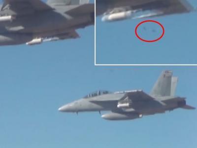 美国国防部3架战机在测试中成功释放超过100架微型无人机