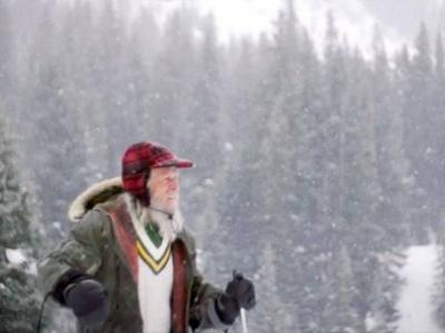 """美国男子居科罗拉多州""""鬼镇""""40年成冰雪守护者 助研全球暖化"""