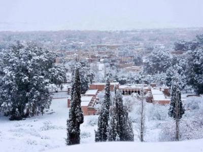 撒哈拉沙漠又下雪 阿尔及利亚小镇从沙漠门户变成银白世界