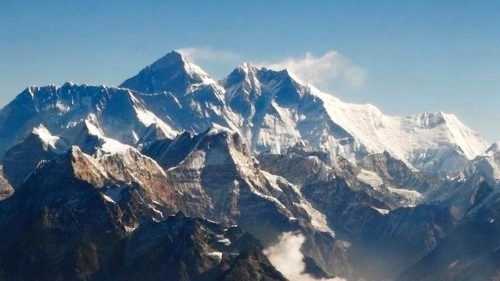 尼泊尔7.8地震让珠穆朗玛峰矮1英寸?印度科学家