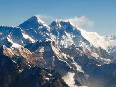 尼泊尔7.8地震让珠穆朗玛峰矮1英寸?印度科学家要重测