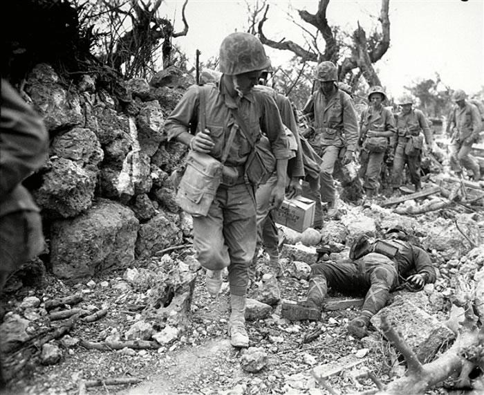 冲绳战役造成严重伤亡。
