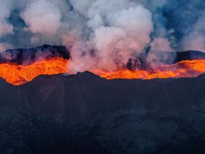 冰岛4座巨型火山或有爆发风险 恐扰乱航空交通