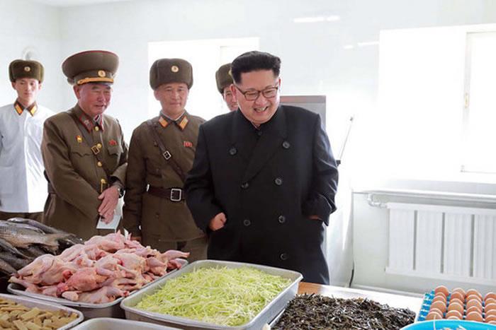 领导人金正恩吃香喝辣,却让国家三不五时就闹饥荒。