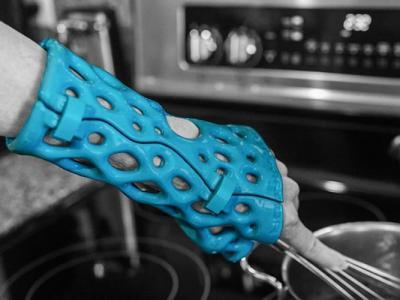 美国医疗用品公司以3D打印技术开发外形如像骨架的保护套