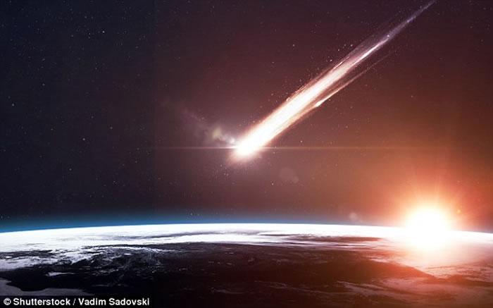 目前,俄罗斯科学家在伊朗卢特沙漠发现大约13公斤类似陨石的物质,其中80%物质来自外太空,被认为与太阳系历史相近,可追溯至大约45亿年前。