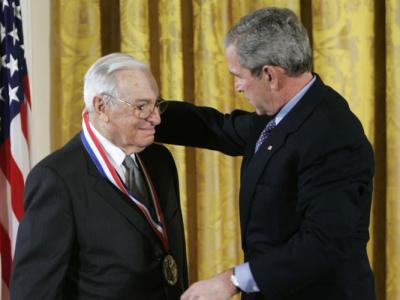 诺贝尔奖史上最年轻的经济学奖得主、美国学者Kenneth Arrow逝世 终年95岁
