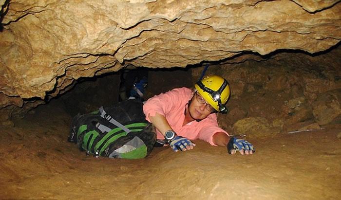 洞内恶劣环境。