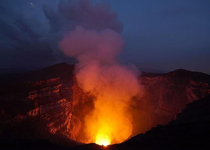 事发于尼加拉瓜马萨亚火山。(资料图片)