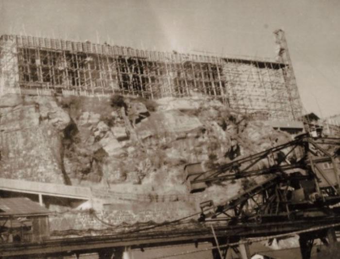军舰岛曾是世界知名的大矿场。