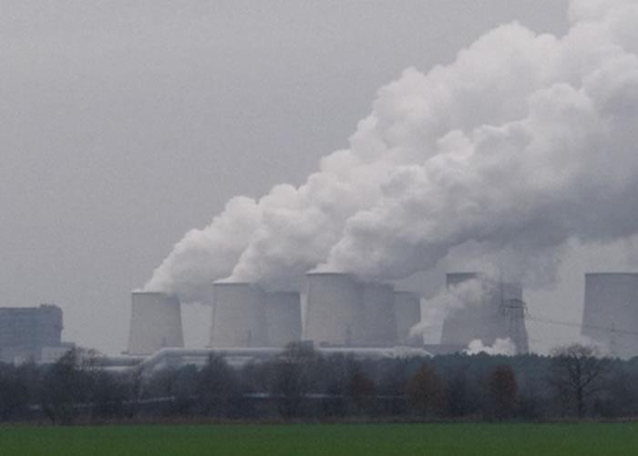 人类活动加速全球暖化。