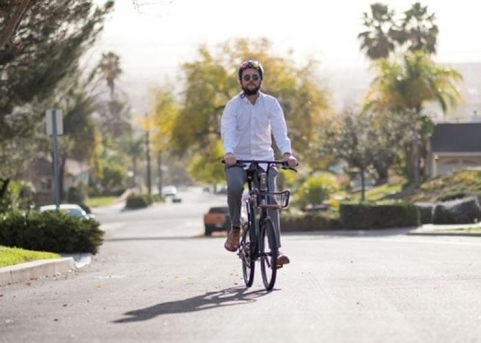 电动单车设计非常简约。
