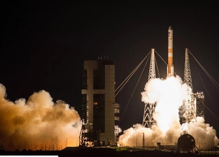 火箭顺利发射升空。