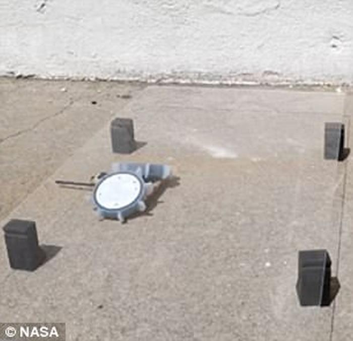 """美国太空总署(NASA)成功研发""""折纸滚轮机器人PUFFER"""" 能在不同平面上行走"""